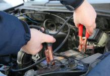 Jak prawidłowo odpalić auto za pomocą kabli rozruchowych?