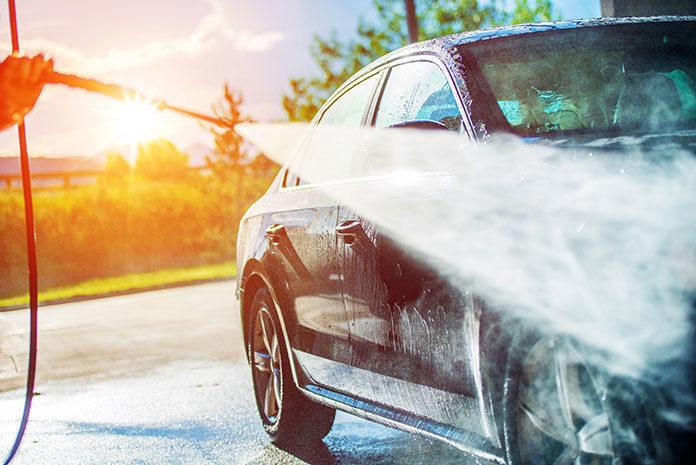 Przegląd akcesoriów do mycia samochodu